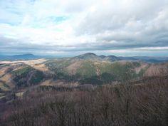 Góry Sowie (332.44; czes. Soví hory, niem. Eulengebirge) – pasmo górskie w Polsce w Sudetach Środkowych w południowo-zachodniej części Polski na terenie województwa dolnośląskiego.