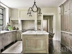 Kitchen Trends: Rustic Elegance