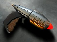 Dex's Ray Gun (Sky Captain and the World of Tomorrow)
