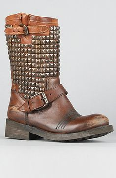 hot leather n metal brown boots