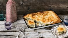 This classic Greek filo pie makes a perfect light lunch or dinner, and has such a fabulous combination of flavours – spinach, dill and spring onions with a creamy mix of cheeses. Alternatively, you can cut it into small diamonds and serve as an appetiser. Moussaka, Egg And Bacon Pie, Spanakopita Recipe, Tapas, Pasta Filo, Sbs Food, Queso Feta, Pastry Recipes, Pastry Dishes