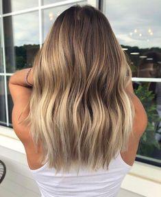 Great looking balayage highlights on dark hair Bronde Hair, Brown Hair Balayage, Brown Blonde Hair, Hair Color Balayage, Brunette Hair, Brunette Color, Balyage Long Hair, Blonde Ends, Bronde Balayage