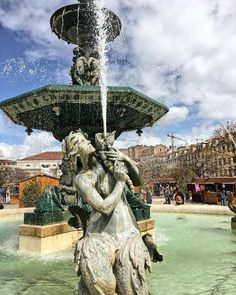 #fountain #lisbon #square #portugal #europe #travel #vsco #vscocam #sprinkle Lisbon, Fountain, Vsco, Europe, Outdoor Decor, Instagram Posts, Travel, Viajes, Water Fountains