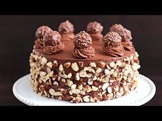 This cake is a special cake for Ferrero Rocher lover. This Ferrero Rocher cake is rich, delicate, full of hazelnut and chocolate flavors. Perfect cake for bi. Chocolate Hazelnut Cake, Chocolate Deserts, Honey Chocolate, Chocolate Flavors, Chocolate Recipes, Russian Honey Cake, Russian Cakes, Mini Tortillas, Ferro Rocher Cake