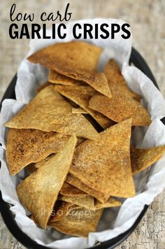 Low Carb Garlic Crisps – an easy and delicious snack recipe that is ready in 15 minutes