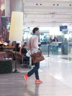 Mika in Istanbul, Ataturk Airport : May 30th, 2010