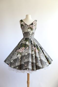 Pink, white, black, grey 'cherry blossom' 1950's floral vintage dress #repin