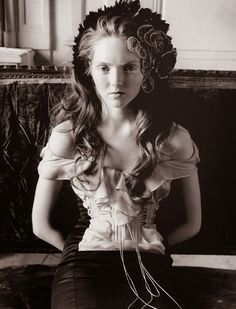 Oksana Tessitelli.Once upon in a Fairytale: Lily Cole for Vogue UK November 2004 by Arthur Elgort