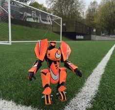 Transformers z butów piłkarskich ;)