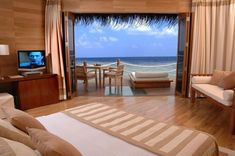 Relaxing view.  Google Image Result for http://4.bp.blogspot.com/-hcYRjVWmNQo/T_SYKNhS7bI/AAAAAAAAD8I/i_Qp4tuqsRM/s1600/bedroom-view-sea.jpg