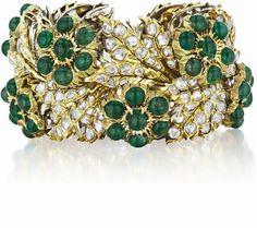 BUCCELLATI  A Unique Diamond, Emerald and Gold Bracelet, 1970