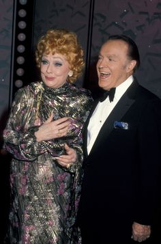 11 Lucille Ball Facts - Things You Didn't Know About I Love Lucy Old Hollywood Movies, Golden Age Of Hollywood, Hollywood Stars, Classic Hollywood, Hollywood Pictures, Up The Movie, Lucille Ball Desi Arnaz, Ball Birthday, Bob Hope