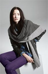 Nordstrom Collection Cashmere Wrap & Hue Denim Leggings