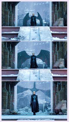 Daenerys Targaryen, The Dragon Queen Daenerys Targaryen, Game Of Thrones Targaryen, Arte Game Of Thrones, Game Of Thrones Quotes, Game Of Thrones Funny, Khaleesi, Got Dragons, Mother Of Dragons, Winter Is Here