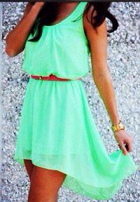 Es un vestido lindo y juvenil