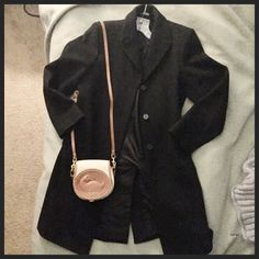 Anne Klein 100% wool long jacket, 6 Very good condition. (Purse not included). Size 6. Non-smoking home. Anne Klein Jackets & Coats Pea Coats