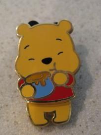 Photon$Mart$ Disney Winnie the Pooh Eating Hunny Paris Pin