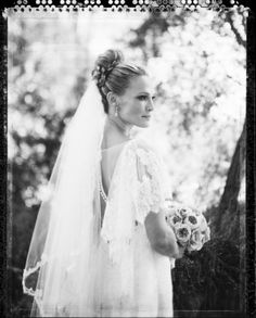 On its own, the wedding of Molly Sims and her love Scott Stuberis pure beauty, no doubt about it. But, when you add in the fact that it's sprinkled with the prettiest of touches like a lace dream of a