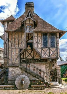 Medieval home built in 1509...