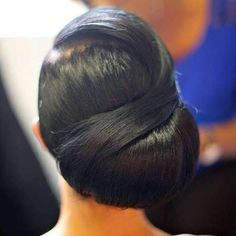 Love the sophistication of this side bun but not sure if I have enough hair to do this