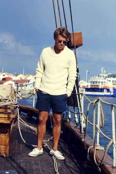 Petite Fashion Tips .Petite Fashion Tips Preppy Mens Fashion, Best Mens Fashion, Nautical Fashion, Preppy Style Men, Mens Golf Fashion, Nautical Clothing, Fashion Tips, Summer Outfits Men, Preppy Outfits