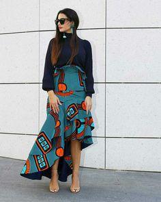 Saia de babados e barra assimétrica  @streetrends African Fashion Ankara, African Inspired Fashion, African Print Fashion, Africa Fashion, African Attire, African Wear, African Women, African Dress, Ankara Styles For Women