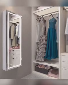 Girls' Dreamy Mudroom with built-in lockers Whether you call it a 'boot room', a 'cloakroom' or a 'm Small Bedroom Wardrobe, Wardrobe Room, Diy Wardrobe, Bedroom Closet Design, Bedroom Furniture Design, Home Room Design, Bedroom Wardrobes Built In, Wardrobes For Small Bedrooms, Wardrobe With Mirror