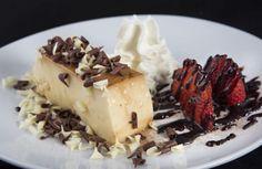Postre Bar Restaurante Waffles, Cheesecake, Bar, Breakfast, Desserts, Food, Dessert, Restaurants, Dishes