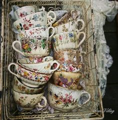 Oooohhhh this. flowers are . Antique Dishes, Vintage Dishes, Antique China, Vintage China, Vintage Tea, Tea Cup Saucer, Tea Cups, My Cup Of Tea, Vintage Plates