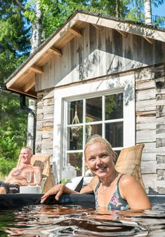 Vanha hirsisauna Keski-Suomessa   Meillä kotona Sauna Design, Finnish Sauna, Cottage, Outdoor Decor, Summer, House, Saunas, Chata, Home Decor