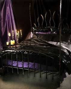 1000 images about gothic bedding on pinterest gothic for Purple gothic bedroom