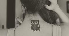 """A nuca é uma ótima """"tela em branco"""" - perfeita para tatuagens delicadas e discretas!"""