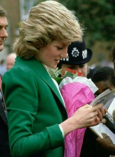 Lady Diana Spencer, Spencer Family, Princess Diana Pictures, Princes Diana, Harry And Meghan, Princess Of Wales, Prince Charles, Queen Of Hearts, British Royals