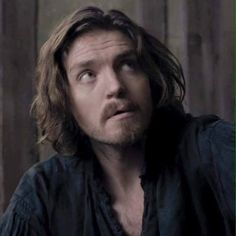 Tom Burke Online on