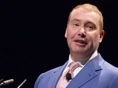 Jeff Gundlach thinks a 'pivot' is coming to economic policy  and everyone is looking the wrong way