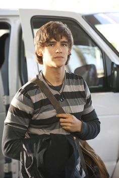 Brenton Thwaites in Blue Lagoon: The Awakening