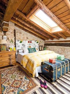 Rustic cottage home interior - Bedroom Decoration Attic Bedrooms, Bedroom Loft, Dream Bedroom, Home Bedroom, Bedroom Decor, Attic Loft, Bedroom Rustic, Rustic Room, Bed Rooms