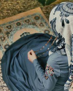 Cute Muslim Couples, Muslim Girls, Stylish Girls Photos, Stylish Girl Pic, Alhamdulillah, Photos Islamiques, Stylish Hijab, Islamic Girl, Hijabi Girl