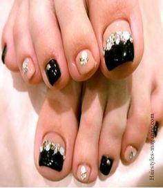 C001248453 262 349 Simple Toe Nail Art Designs of Modern Century