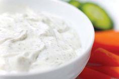 Ингредиенты: -3 ст ложки оливкового масла-1 ст ложка лимонного сока или яблочного уксуса-1 ч ложка горчицы-7 ст ложек сметаны-соль и перец - по вкусу.Смешиваем до однородной массы масло, лимонн…
