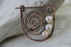 Shawl pin, scarf pin, copper brooch, simple copper spiral and pearls pin by Keepandcherish on Etsy