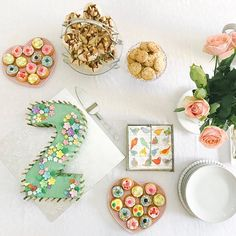 Just a few pics of the family tea we did for Lauren's birthday yesterday.... My mom made most of these yummy snacks...and because I have a…
