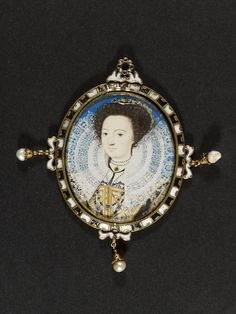 Portrait miniature of an unknown woman, watercolour on vellum, painted by Nicholas Hilliard, ca. 1500s Fashion, Miniature Portraits, Vintage Outfits, Vintage Clothing, Victoria And Albert Museum, Female Portrait, Metal Working, Objects, Miniatures