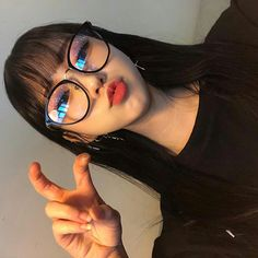 ulzzang girl girls woman women aesthetic korean japanese chinese beauty pretty beautiful lifestyle ethereal beauty girls east asian minimalistic grunge soft pastel light cute adorable 울짱 여자 r o s i e Ulzzang Korean Girl, Cute Korean Girl, Cute Asian Girls, Cute Girls, Bangs And Glasses, Cute Glasses, Girls With Glasses, Korean Glasses, Girl Glasses