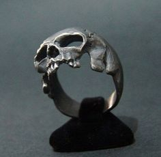 New Amazing Sterling Silver Skull Ring Handmade Masonic Freemason Masonry Biker Harley All Sz US 8 14 - Trend Silver Jewelry 2020 Bijoux Design, Schmuck Design, Jewelry Design, Skull Jewelry, Fine Jewelry, Jewlery, Geek Jewelry, Vintage Accessoires, Gothic Engagement Ring