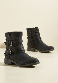 Can't Stomp the Feeling Boot. No need to hide the pep these black boots bring to your stride - just let it shine! #black #modcloth