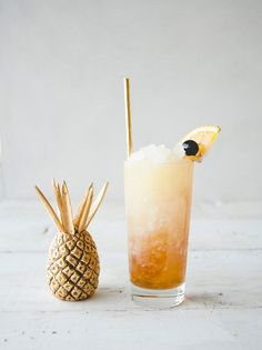 Shark Attack cocktail recipe via Claire Thomas of The Kitchy Kitchen