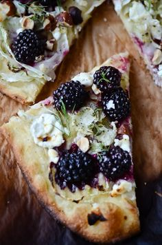 ::blackberry, fennel and goat cheese pizza.