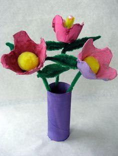 Cómo hacer floreros caseros con tubo de cartón y hueveras