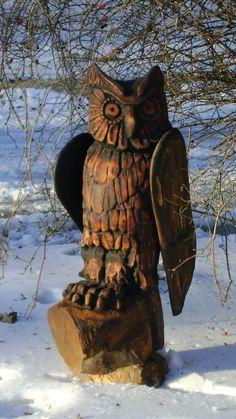 Деревянная скульптура (сова)